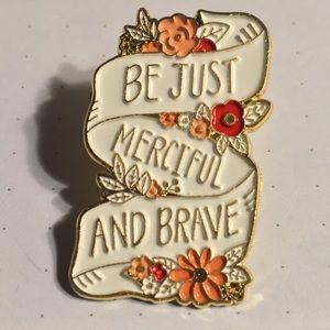 Chronicles of Narnia quote metal & enamel pin NIB